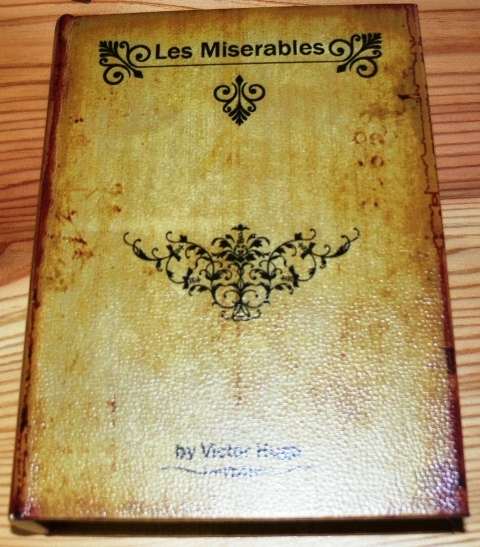 Bookbox-Lesmiserable.JPG